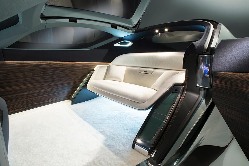 Первый беспилотник Rolls-Royce Vision Next 100