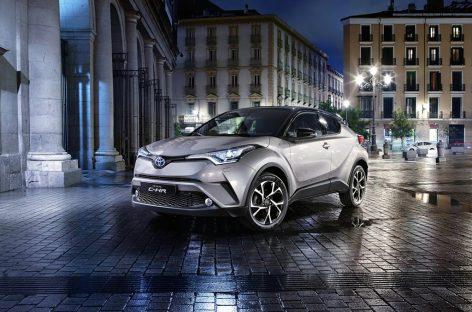 Toyota C-HR впервые заметили на дорогах России