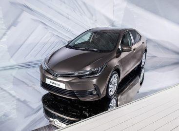 Toyota начала продажи в России обновленного седана Corolla