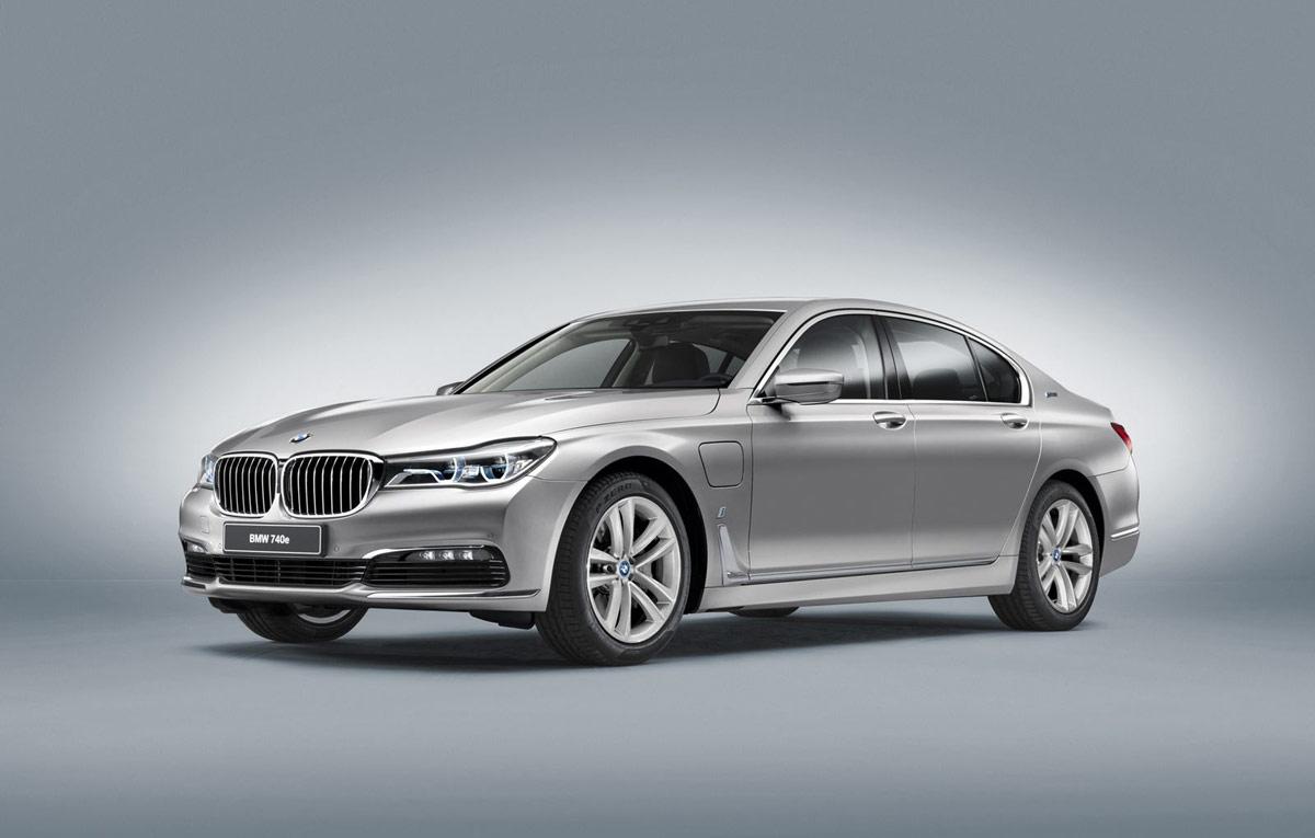 2017-BMW-740e-iPerformance-3