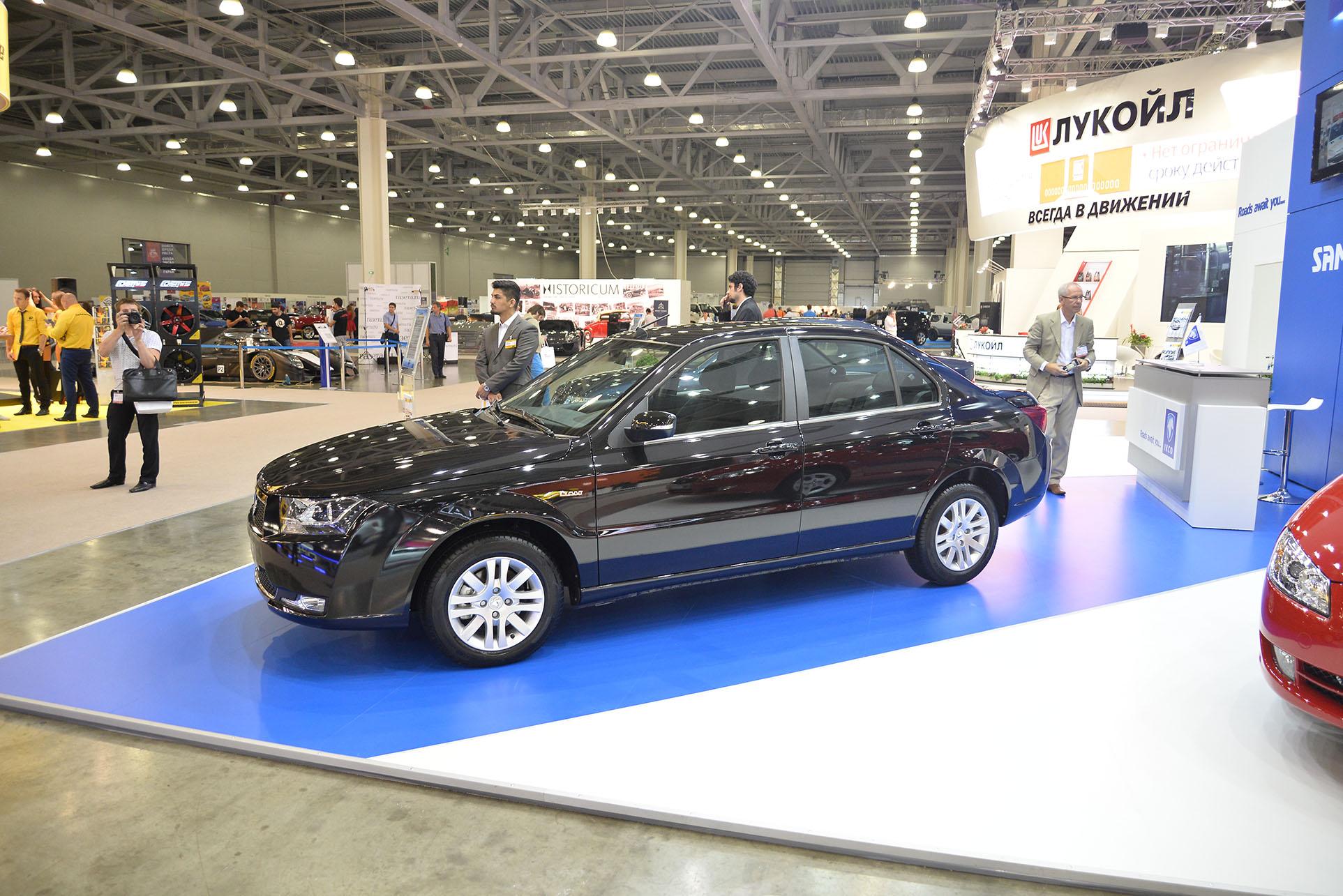 Иранский IKCO Dena переделанный из Peugeot