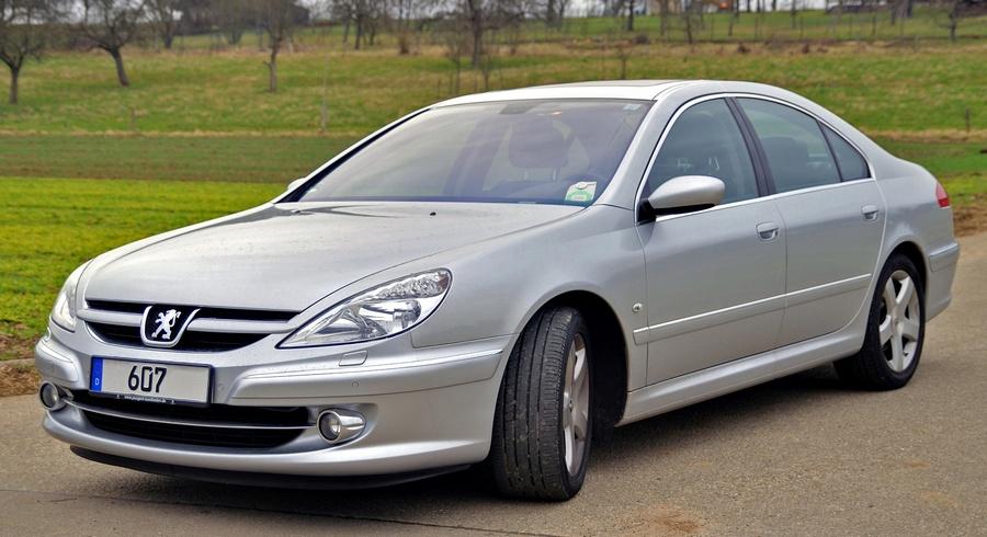 Peugeot_607