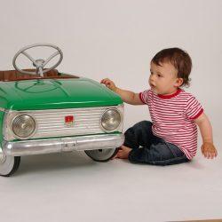 Ужас: ребенок на дороге