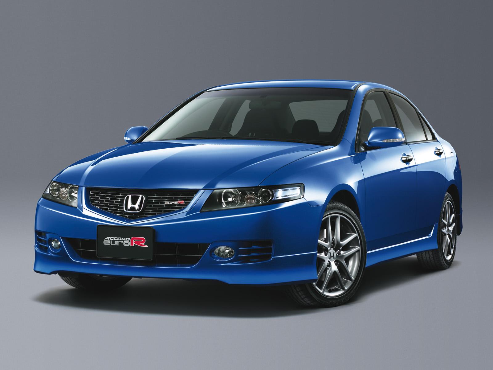 honda_accord_euro-r_sedan_13