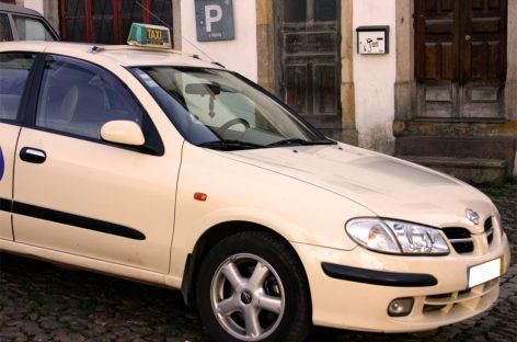 Какую большую машину взять для такси?