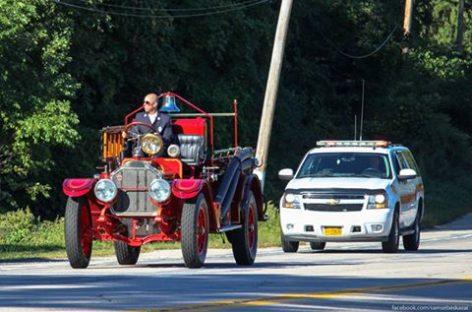 Пожарная машина, выпущенная компанией American LaFrance в 1921 году