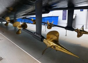 Винты судна с паровой турбиной