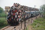 Самые переполненные индийские поезда — безумное экстремальное путешествие