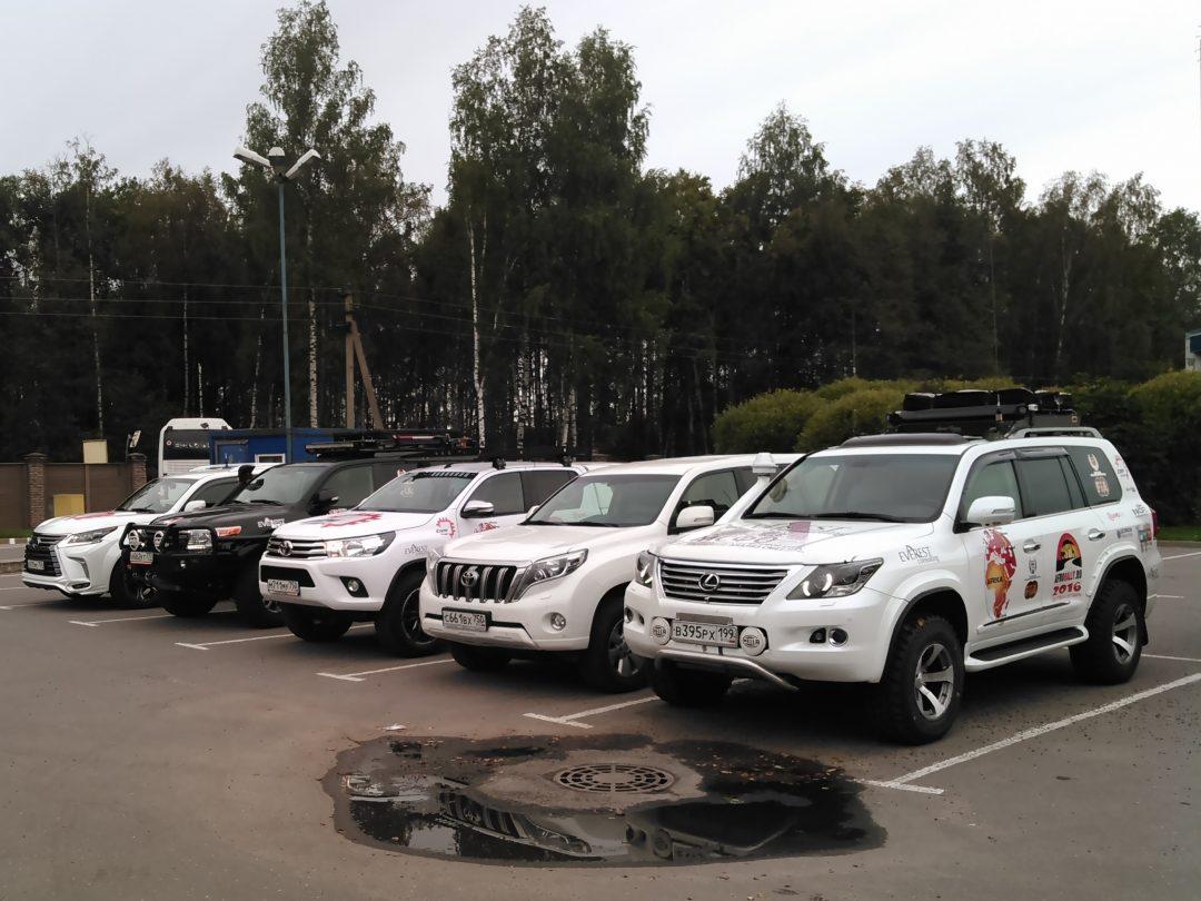Автомобили Afrorally 2016 в порту Санкт-Петербурга