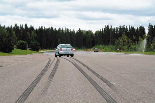 Специалисты назвали автомобили ссамыми лучшими тормозами
