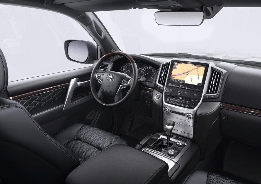Land Cruiser 200 ExecutiveWhite