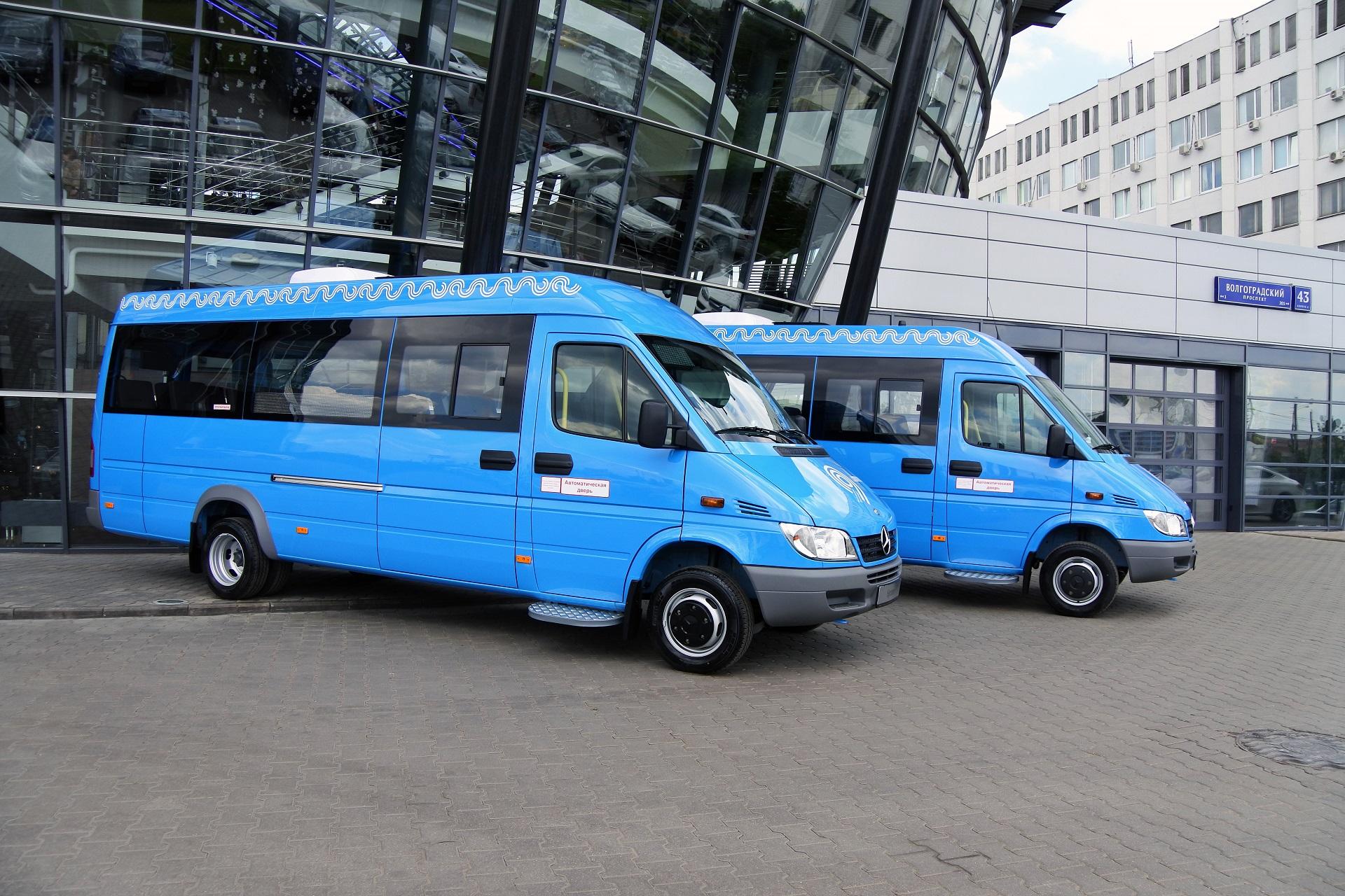 102 маршрутных такси Mercedes-Benz Sprinter Classic на улицах Москвы