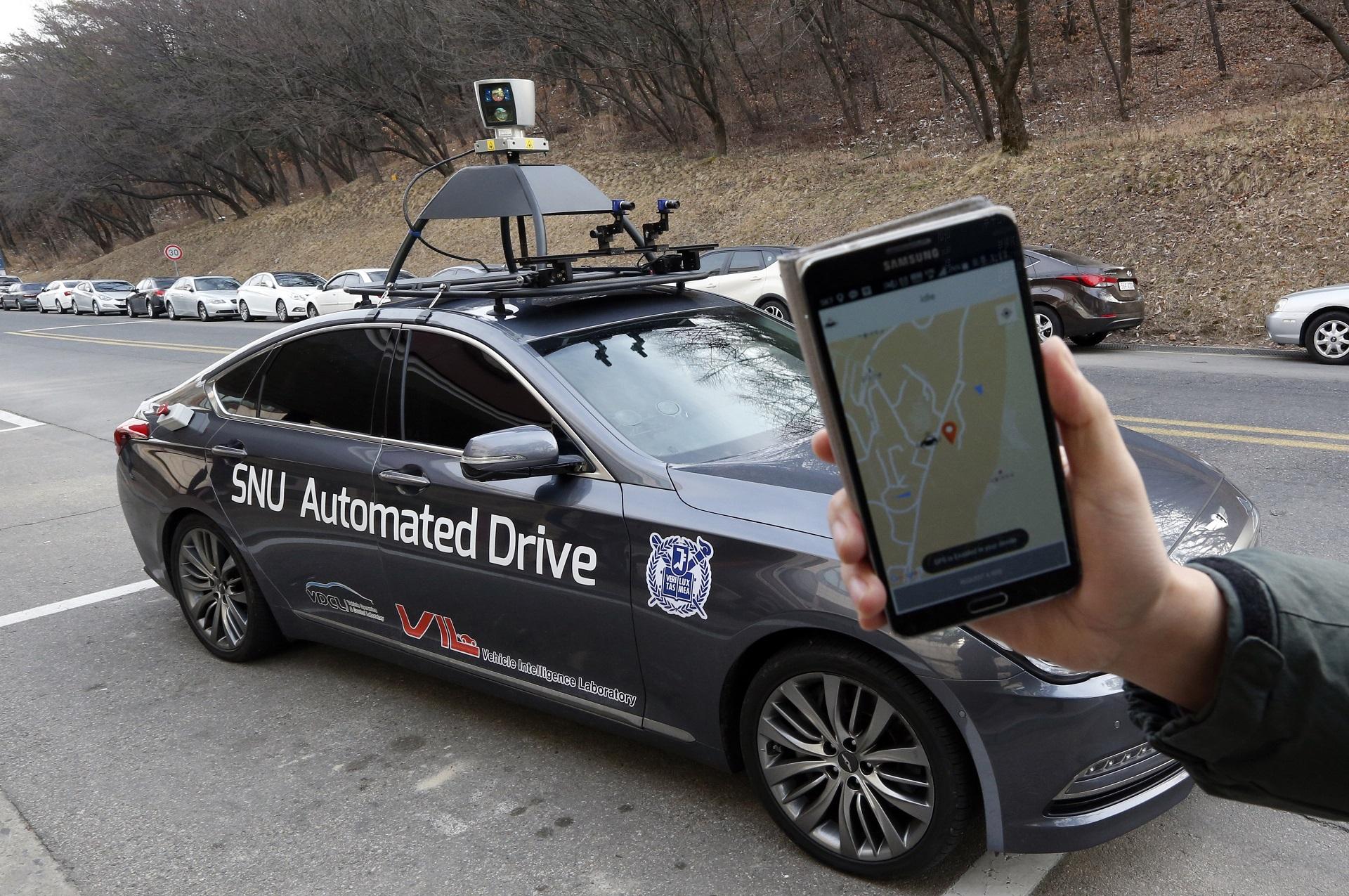 автомобильс автономным управлением, автономный автомобиль, беспилотное такси