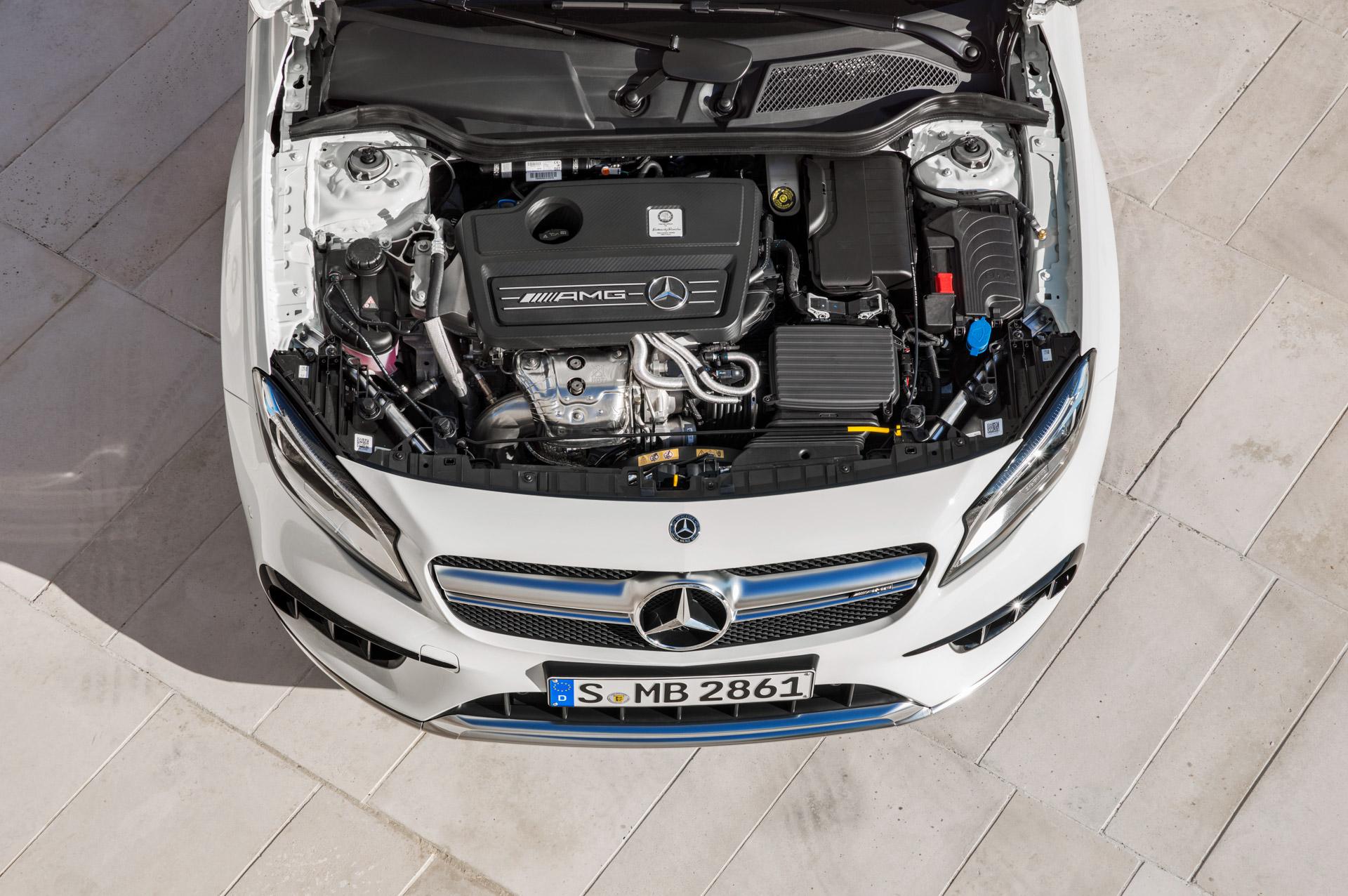 Mercedes-AMG GLA 45 4MATIC, Motor, 280 kW (381 PS) ;Kraftstoffverbrauch kombiniert: 7,4 l/100 km, CO2-Emissionen kombiniert: 172 g/km Mercedes-AMG GLA 45 4MATIC, engine, 280 kW (381 PS); Fuel consumption combined:  7,4 l/100 km; Combined CO2 emissions: 172 g/km