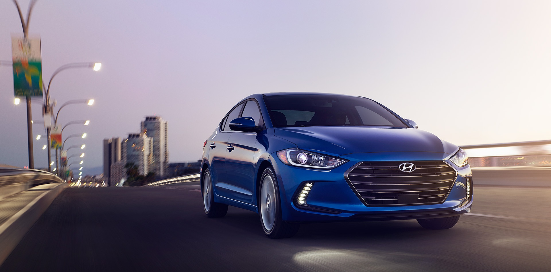 2017-Elantra-01-Electric_Blue