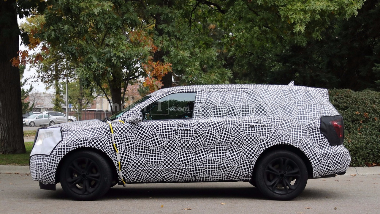 2019-ford-explorer-spy-photos1
