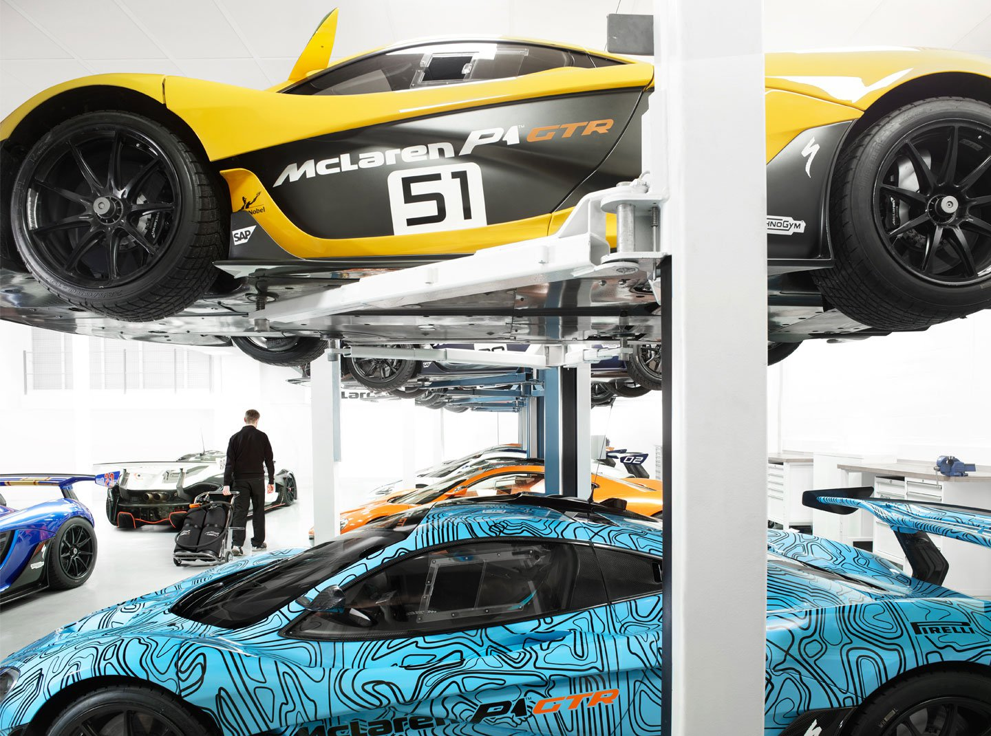 McLaren-P1-GTR-Workshop-1