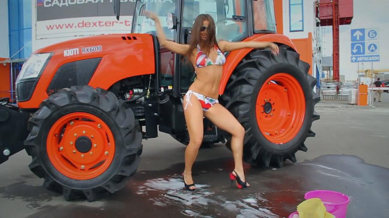 видео девки моющие свое хозяйство