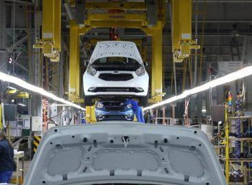 Выпуск легковых машин в 2016 году снизился на 7%