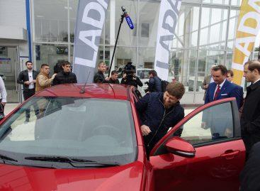 Рамзан Кадыров пообещал пересадить чеченцев с иномарок на Lada Vesta