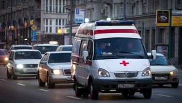 В Москве водитель Ford не уступил дорогу скорой помощи с тяжелобольным пациентом