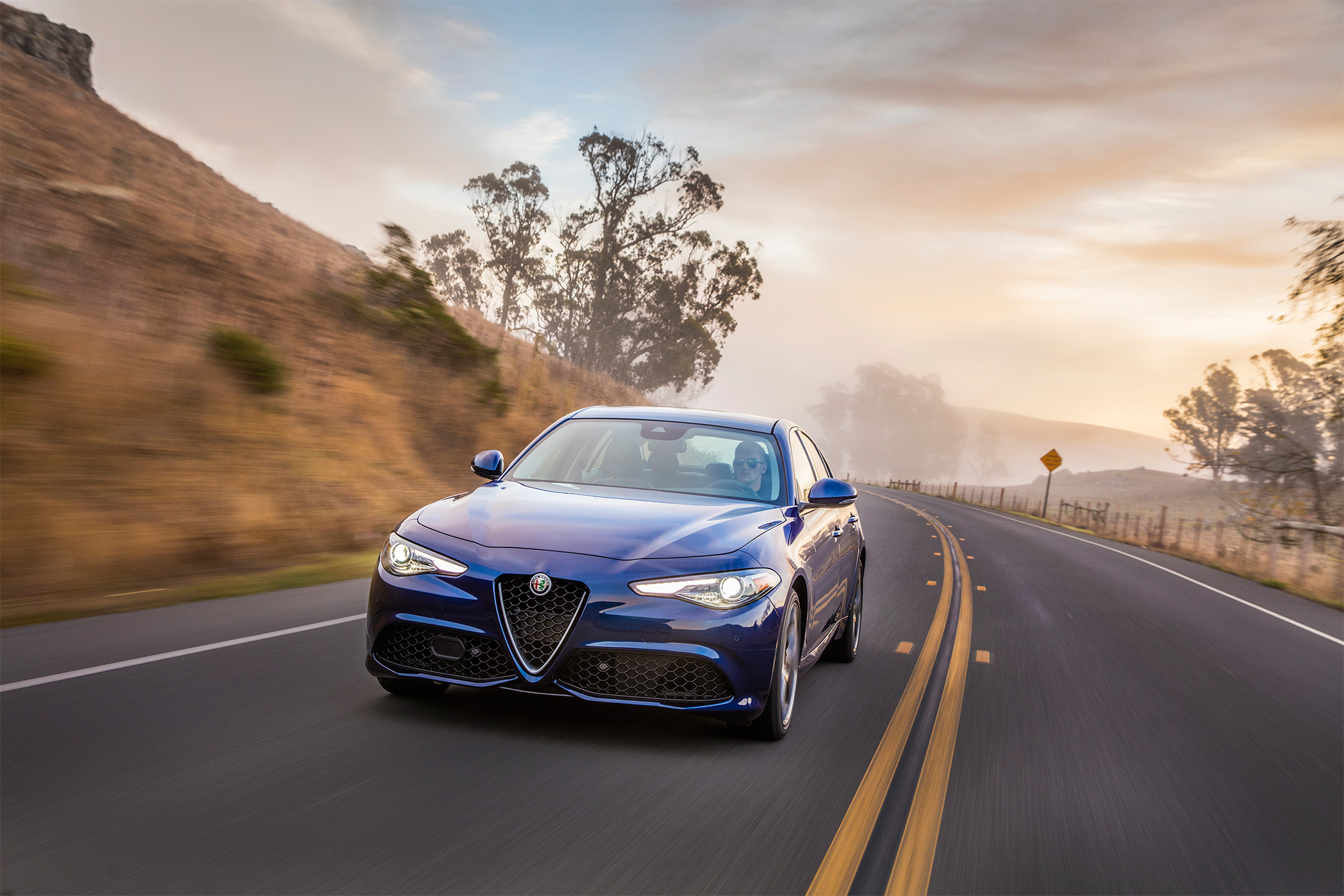 2017-Alfa-Romeo-Giulia-Ti-front-view-in-motion-01