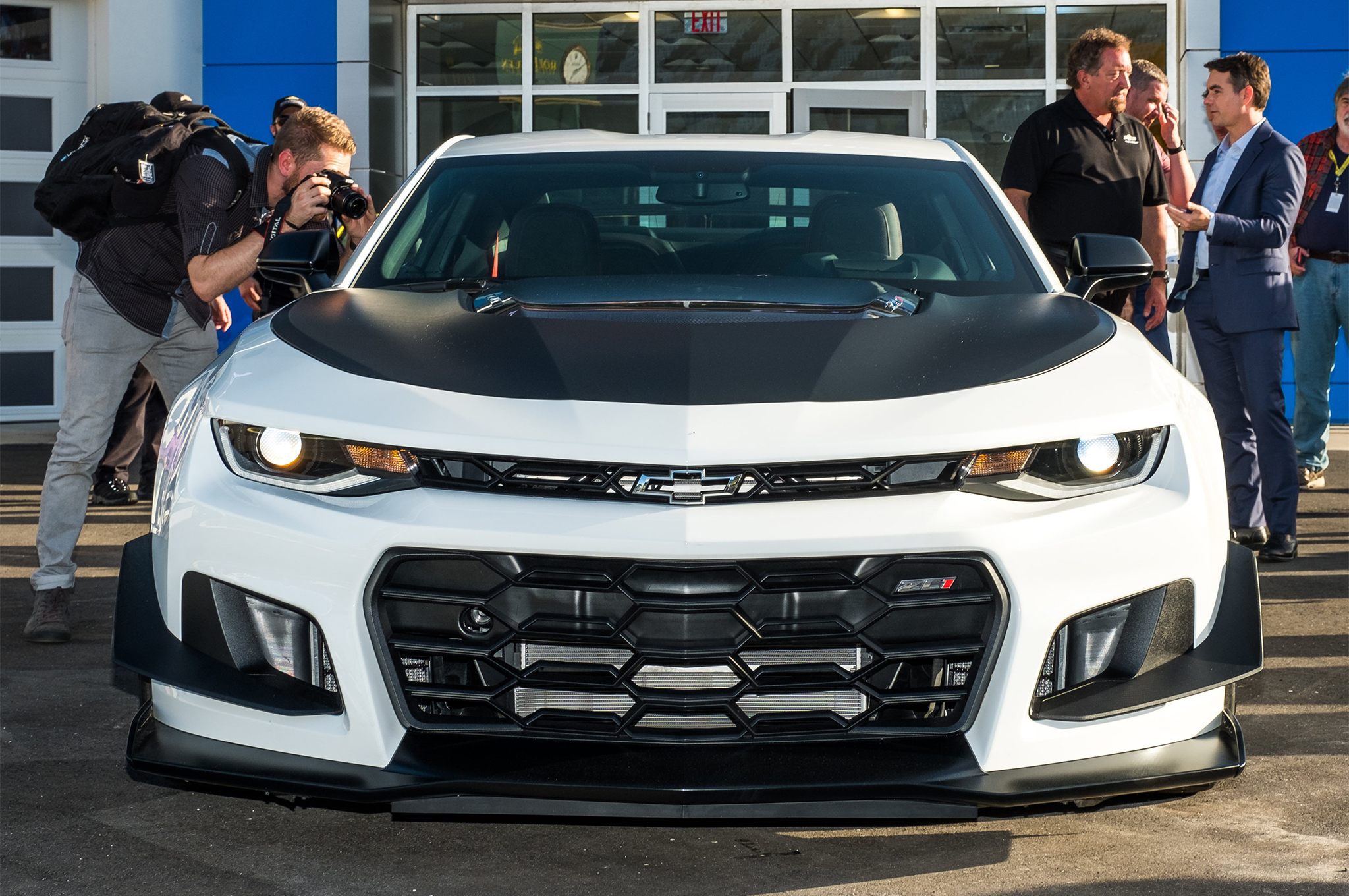2018-Chevrolet-Camaro-ZL1-1LE-reveal-front-end