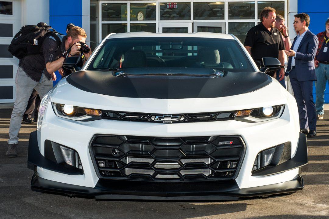 Chevrolet нагнетает. 2018 Chevrolet Camaro ZL1 1LE.   AMSRUS