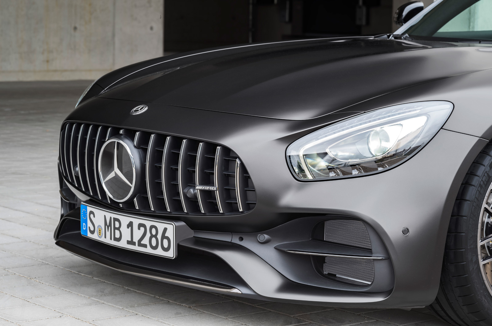 2018-mercedes-amg-gt-gt-s-15