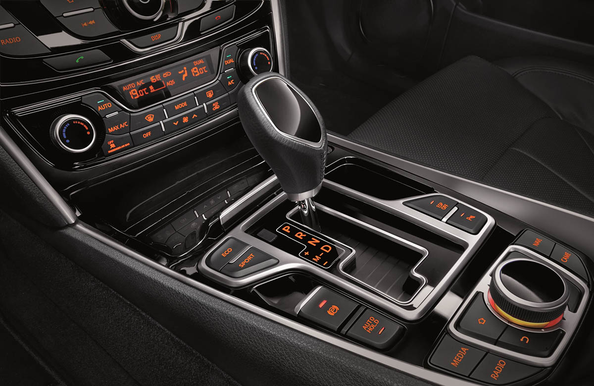EMGRAND GT-Interior 04-DSI 6 speed automated manual gearbox