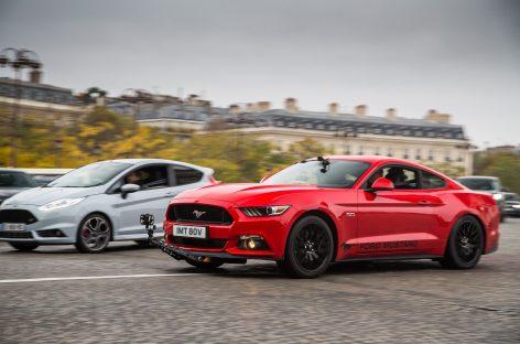 Ford Mustang GT пролетел по Парижу в честь известного фильма