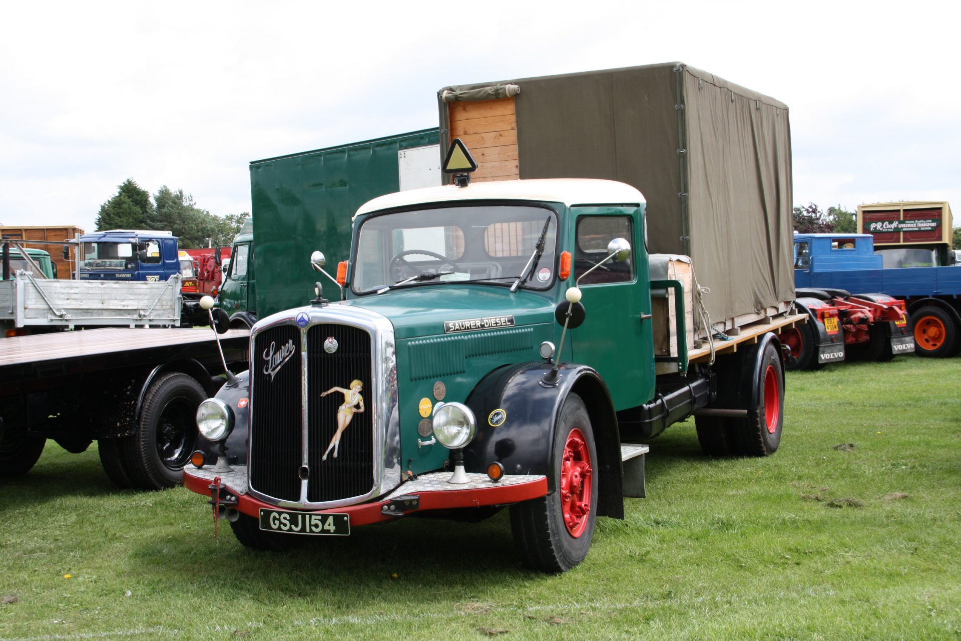 Saurer-Diesel_truck_-_GSJ_154_at_Ardingly_2011