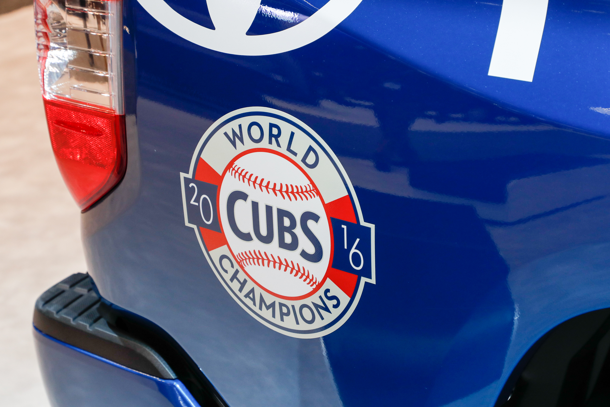 Toyota-Tundra-Chicago-Cubs-truck-World-Champs