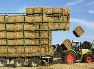 Невероятные приспособления для сбора сена и соломы. Соревнование трактористов