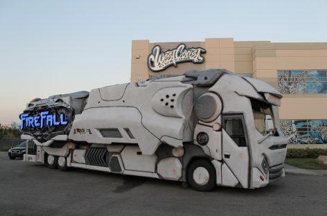West Coast Customs и LINE-X построили игровой автобус FireFall