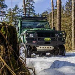 Land Rover Defender LINE-X Camo — защитная маскировка проходимца