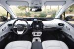 Новый Toyota Prius в салонах