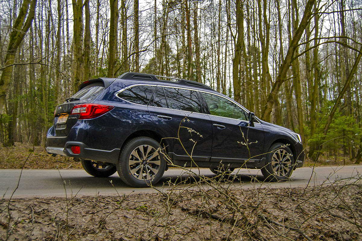 2016-Subaru-Outback-3.6-test-drive-4