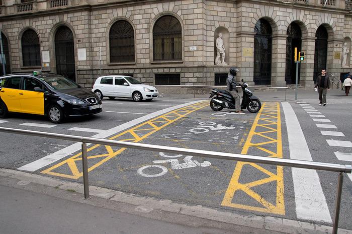 мотоциклисты, двойная стоп-линия