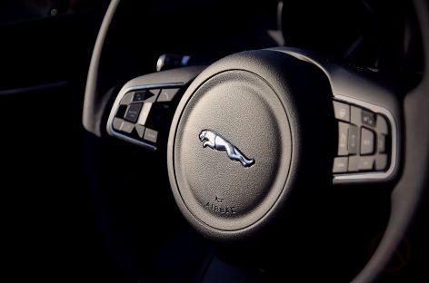 Генетический код. Тест-драйв Jaguar XE