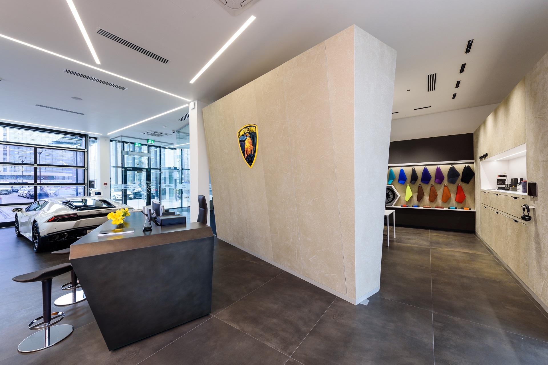 Lamborghini открыл новый автоцентр в северной столице