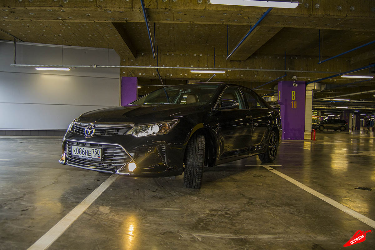Toyota-Camry-Exclusive-black-2