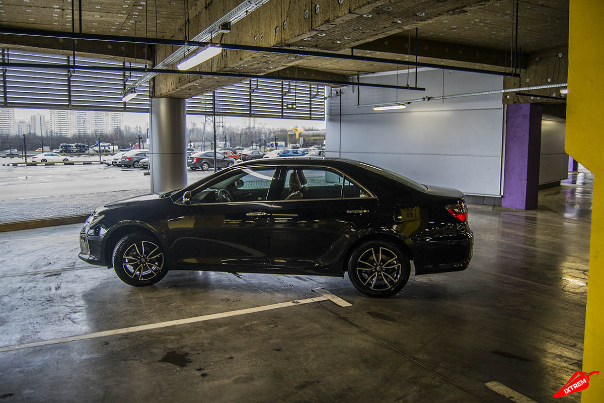 Toyota-Camry-Exclusive-black-4