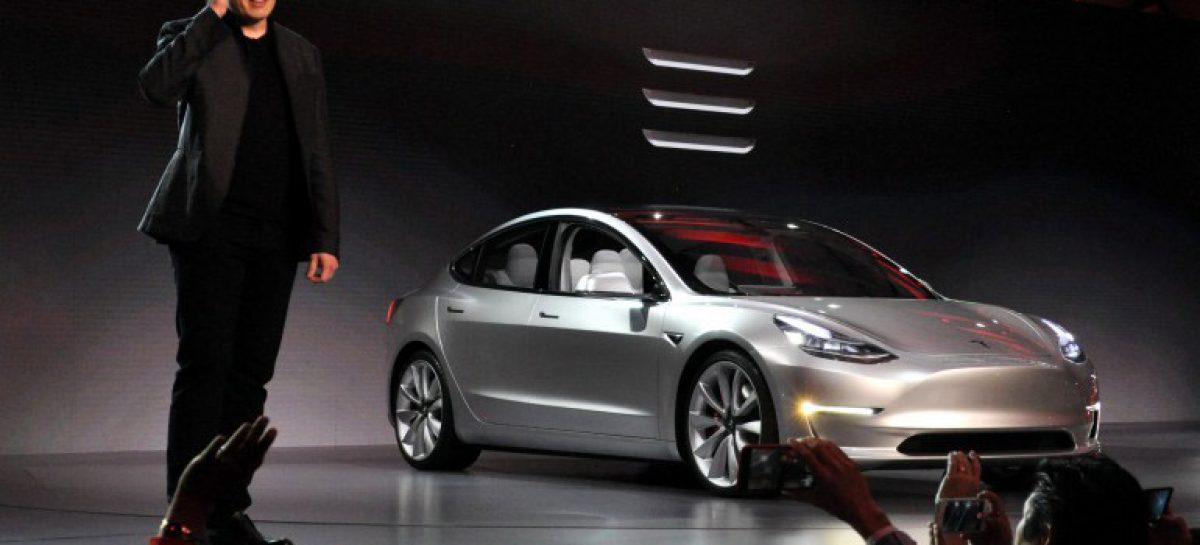 Tesla «урезала» функции электрокара Model 3