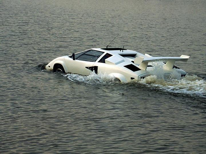 SeaRoader Lamborghini Countach