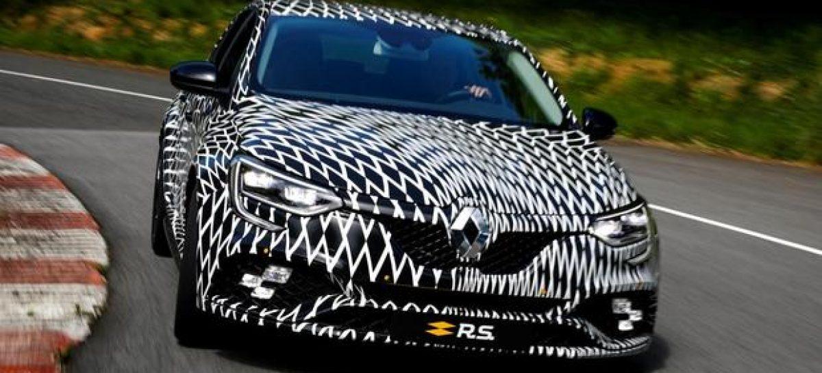 Новый хэтчбек Renault Megane RS впервые замечен без камуфляжа