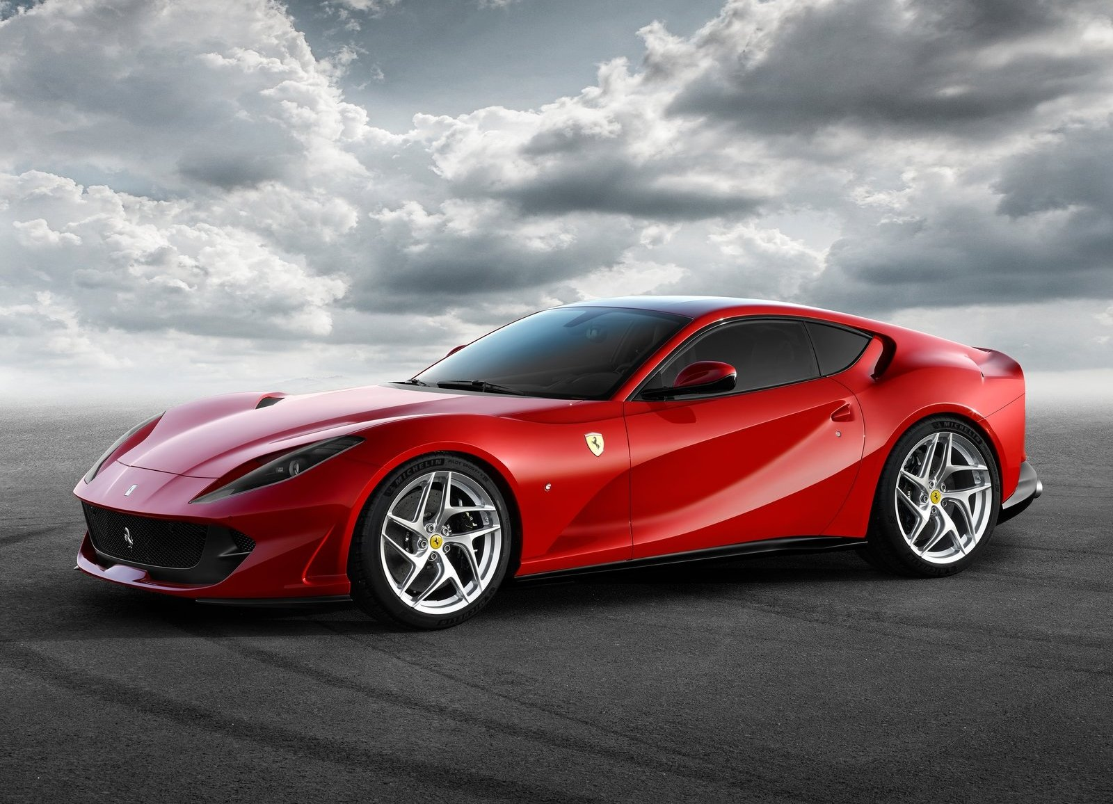 Ferrari 812 Superfast Grand Tourer 2018
