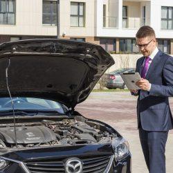Осмотр автомобиля экспертом