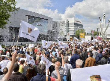 24 часа прямой трансляции вокруг музея Porsche
