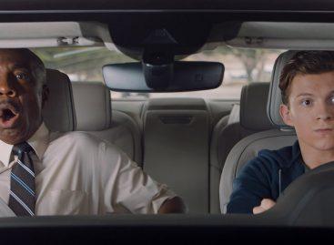 Человек-паук на новой восьмерке от Audi